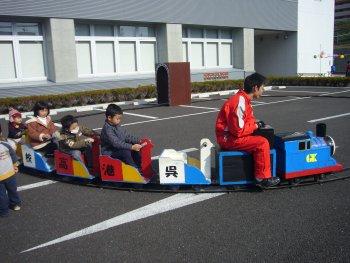 呉港高校によるトーマスの乗り物