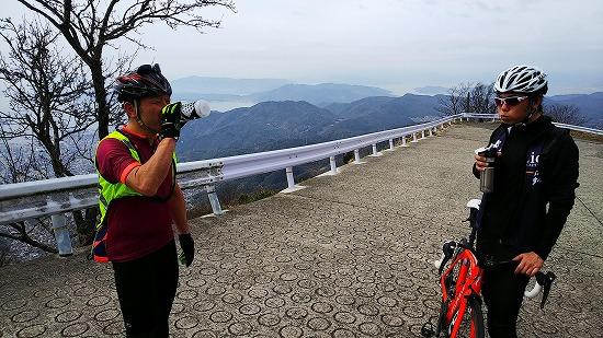 灰ヶ峰にて Photo by KAWAさん