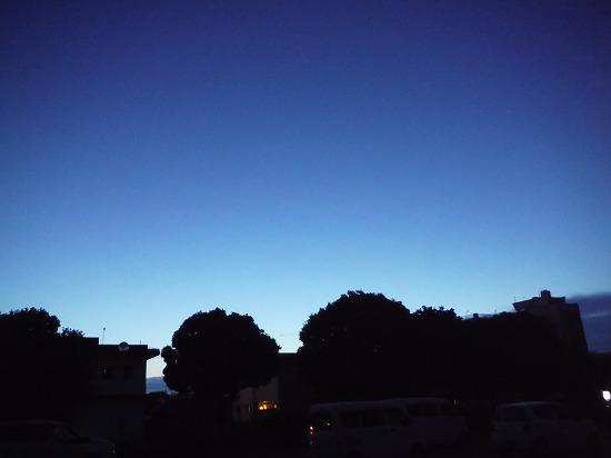 山陰での夜明け