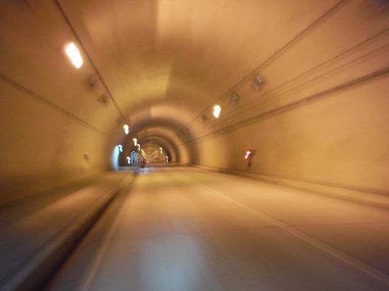 トンネル内は涼しくてGood!