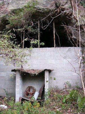 螺山防空壕入口